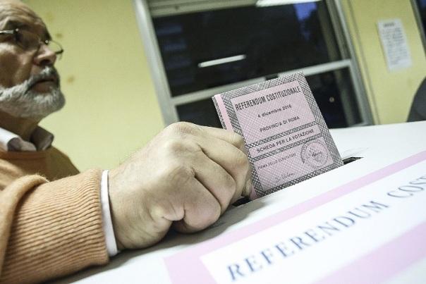 Referendum, apertura dei seggi
