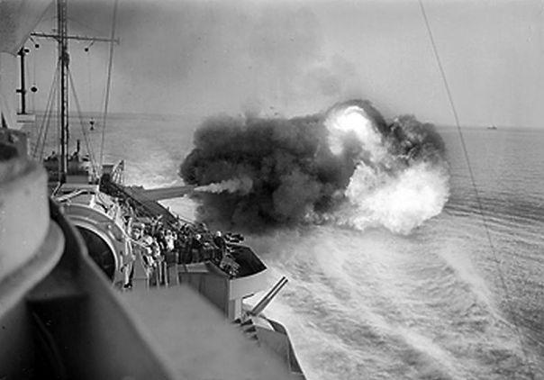 hms_warspite_sicily_1943