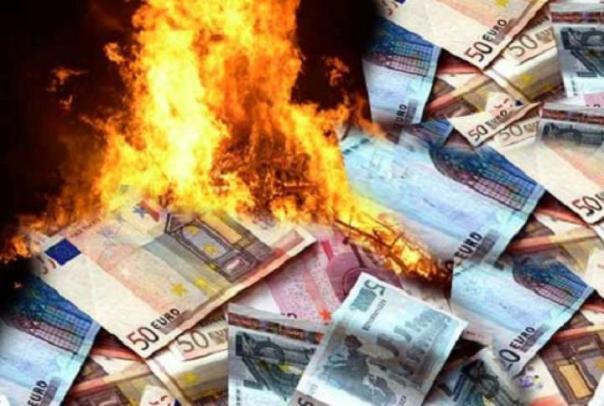 sprechi-denaro-che-brucia