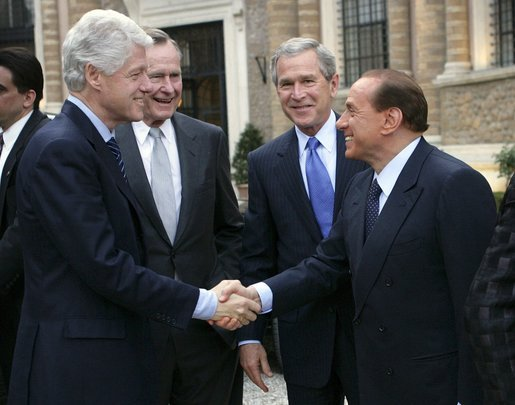 Bill_Clinton,_George_H._W._Bush,_George_W._Bush_and_Silvio_Berlusconi