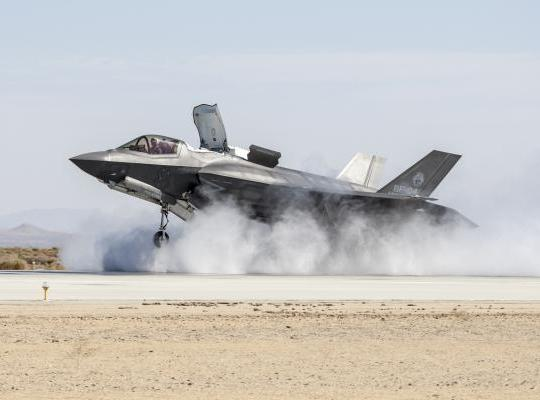 f35_crosswind__main