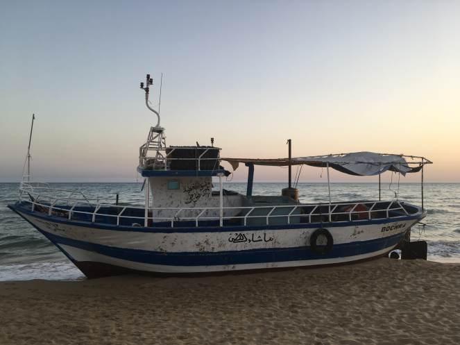 Il-peschereccio-Bochra-Bella-notizia-con-sui-sono-sbarcati-90-migranti-la-notte-del-4-agosto-a-Torre-Salsa.jpg