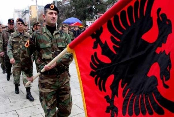 Kosovo-sfilata-bandiera-sito-800