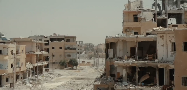Destroyed_neighborhood_in_Raqqa.png