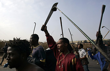 south_africa_riot_0521