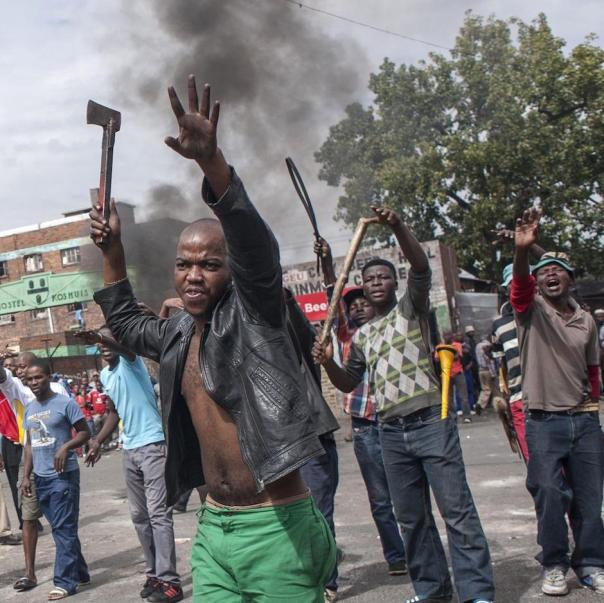 xenophobic-south-african-riots-spread-to-johannesburg-as-leaders-call-for-international-assistance-1429305619