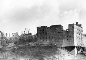 Undicesima-Abbazia-di-Cassino-dopo-le-bombe