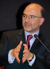 216px-Pierre_Moscovici_en_mai_2010